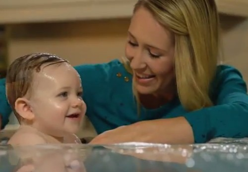 "Peoples Gas Online Video ""Baby Bath"""